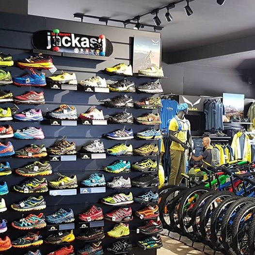Grande assortimento di scarpe trail running